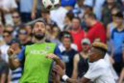 Dwyer has 2 goals as Sporting KC beats Sounders 3-0